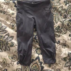 Athleta xs Capri pants